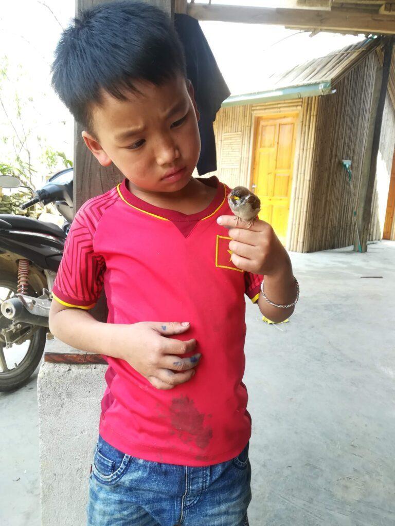 Hmong-boy-Sapa-Outdoorpassion.jpg
